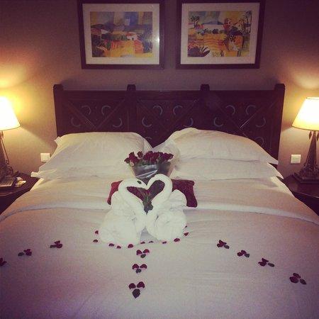 Sofitel Agadir Royal Bay Resort: Merci à Omar (service de nuit) pour cette magnifique surprise pour la venue de mon fiancé. Tu es