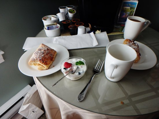 Bouchard Inn: The Free Breakfast