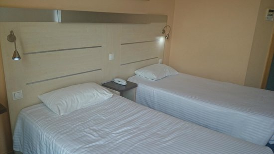 Hotel GIT Ciudad de Zaragoza : Camas