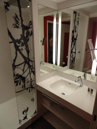 Mercure Paris Val de Fontenay : salle de bain