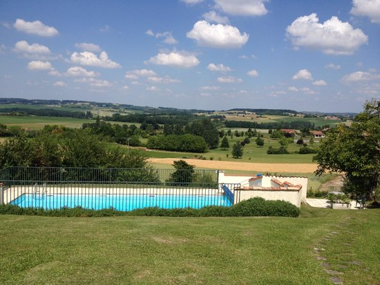 Manoir de Longeveau : view from top chalet down to golf course and main bat and restaurant