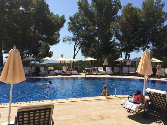 Castillo Hotel Son Vida, a Luxury Collection Hotel: The pool