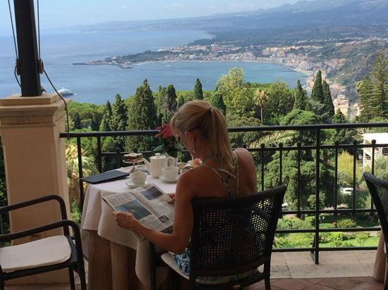 Belmond Grand Hotel Timeo: View from outdoor breakfast are