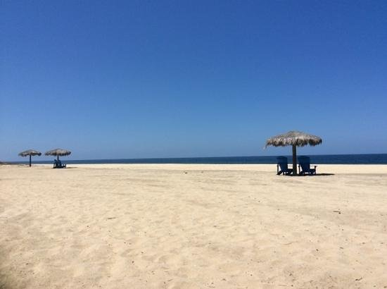 Rancho Pescadero: the beach on a crowded day