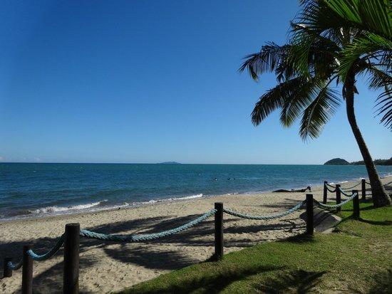 ULTIQA at Fiji Palms Beach Resort : ด้านติดทะเล