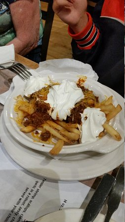 Kutztown Tavern : nacho fries