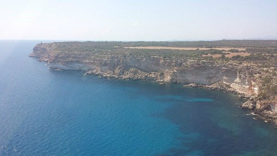 Balearic Helicopters : The cliffs!