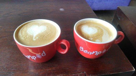 Beanpod Chocolate: Beautiful lattes at the Beanpod!