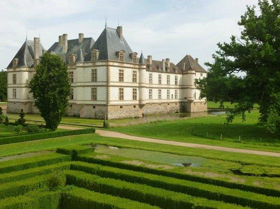 Château de Cormatin: Belle vue du château