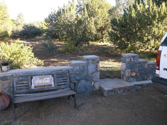 Manzano's RV Park: Beside our site