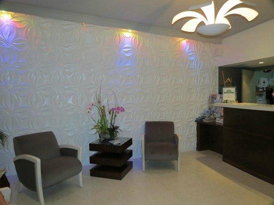 Orchid Key Inn: Lobby