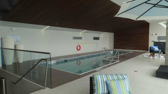 Montreal Airport Marriott In-Terminal Hotel: Piscine