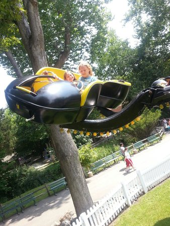 Idlewild & SoakZone: Spider ride!