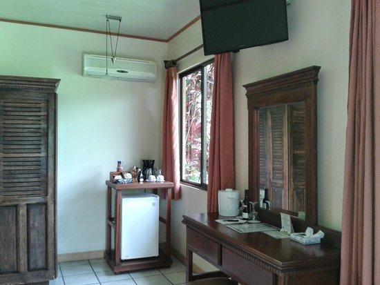 Arenal Manoa Hotel : Servicios de la Habitación