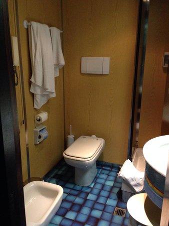 Meditur Hotel Cagliari Santa Maria: Bathroom