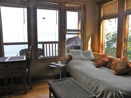 Ainsworth Hot Springs Guest House: Twin Bed