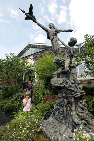 The World of Beatrix Potter: Peter Rabbit Garden