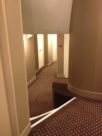 Duminy Vendome : stairs from our room