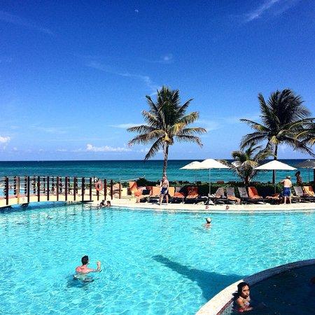 Now Jade Riviera Cancun : Pool!