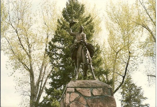 Town Square: Bucking Cowboy Statue - City Square
