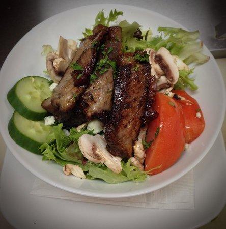 Brunner's: Too sirloin salad