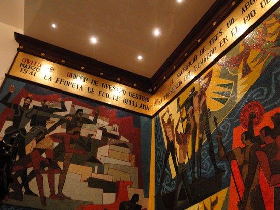 Palacio de Gobierno: Painel na entrada