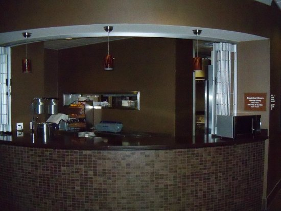 Best Western Premier Freeport Inn & Suites : Breakfast Service Counter