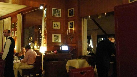 Le Fouquet's: interior do restaurante