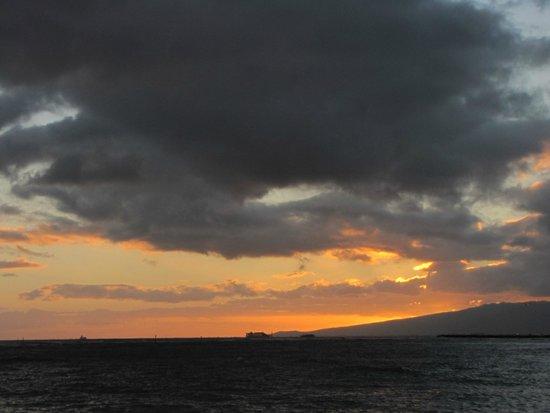 Waikiki Beach : Waikiki sunset