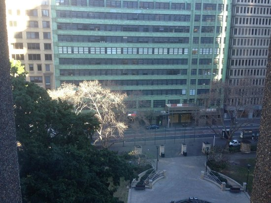 The Menzies Sydney: the park view in the morning