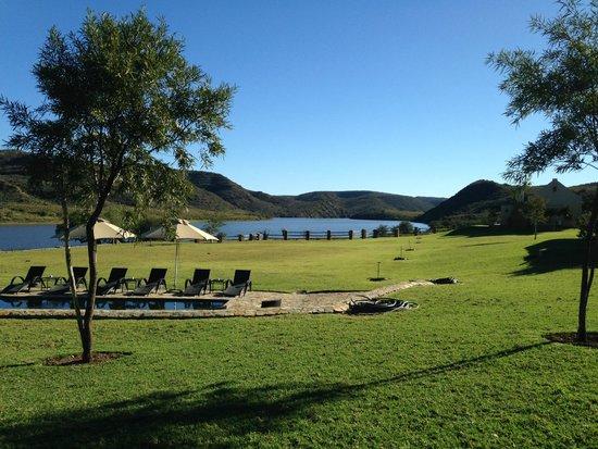 Madi-Madi Karoo Safari Lodge: spaceous grounds