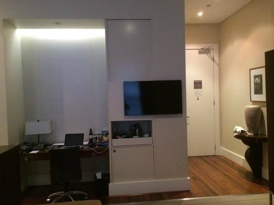 Hotel Lindrum Melbourne - MGallery Collection: Entrance, desk and