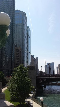 Chicago Elevated: You'll learn how to spot a post-modern building on this tour and what the architects brought bac