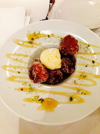 Candelori's: Bambolini (Italian doughnuts with ice cream).. I'll cry if they don't have this next time I go!!