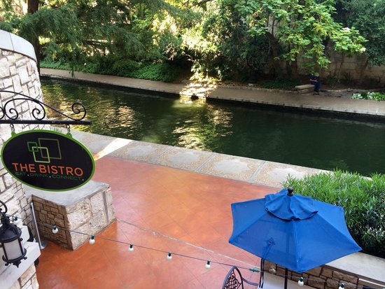 Courtyard San Antonio Riverwalk: View from room 402. Nice and quiet part of the Riverwalk.