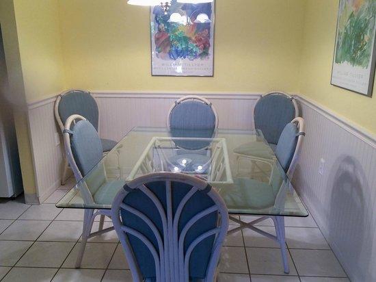Sanibel Moorings : Dining Room