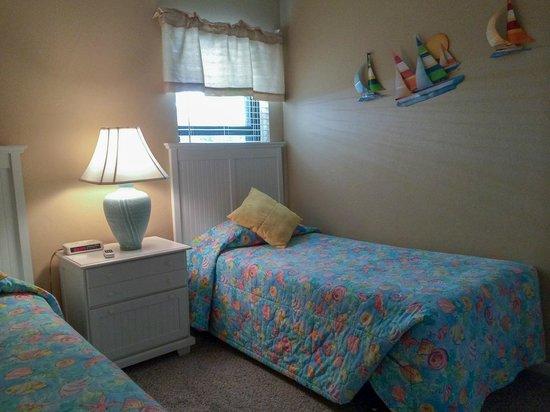 Sanibel Moorings : Second bedroom