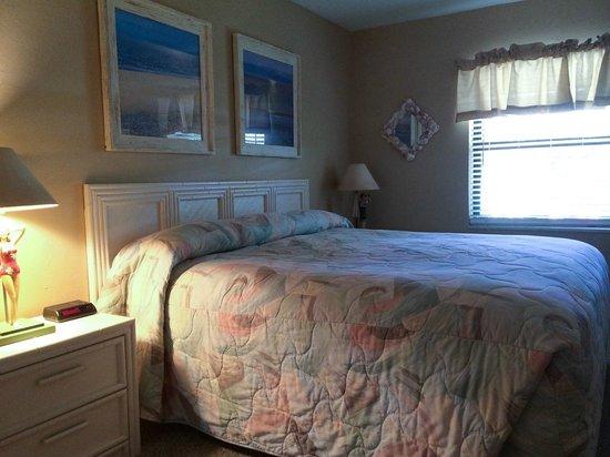 Sanibel Moorings : Master Bedroom