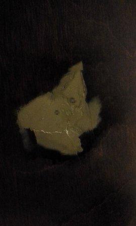 Jameson Inn - Augusta/Grovetown : Patched hole in bathroom door