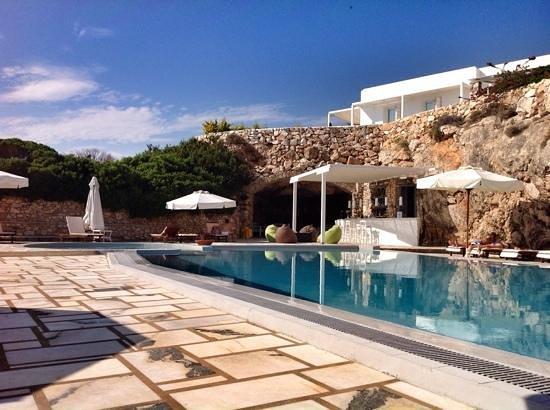 Paros Agnanti Resort : pool and bar
