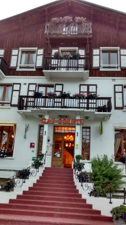 Hotel Le Gai Soleil: front of hotel