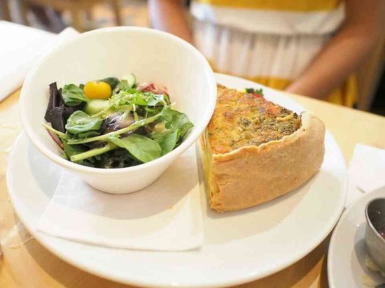 Emma's Country Kitchen : Friend's Quiche