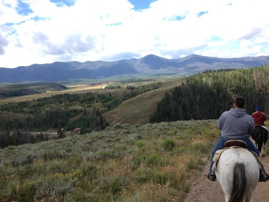 Aspen Canyon Ranch: Scenic horseback ride