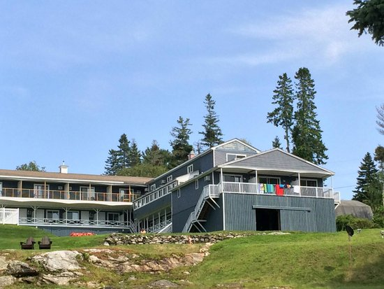 Boothbay Harbor Inn : View from Lake area
