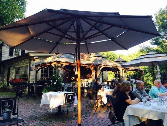 Bridgetown Mill House Restaurant: Nice bar