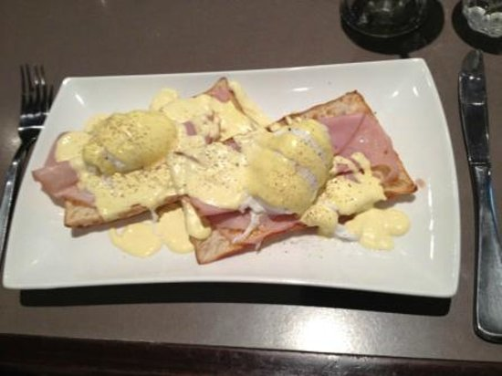 The Coffee Club: All day breakfast - Eggs Benedict