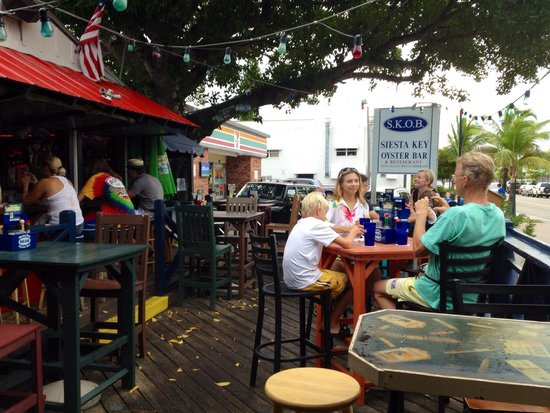 The Siesta Key Oyster Bar: Outdoor seating area Siesta Key Oyster Bar.