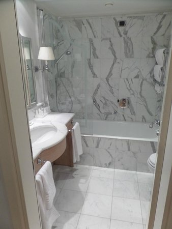 Starhotels Splendid Venice : Banheiro