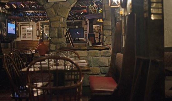 Mr Pickwick's Gastropub & Steakhouse : interior