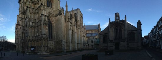 Cathédrale d'York : The building and exterior